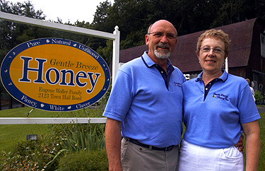 Gene and Donna Woller | Gentle Breeze Honey